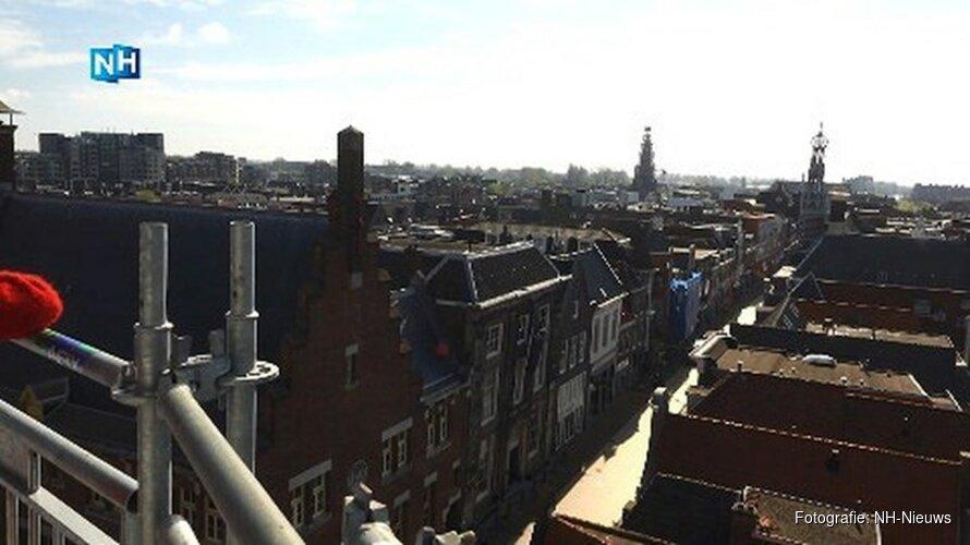 Unieke kans in Alkmaar: Klim naar het dak van de Grote Kerk