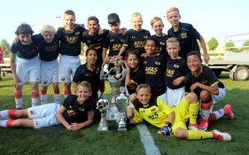 AZ dikverdiende winnaar Reiger Boys International Youth Tournament