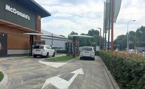 McDrive met dubbele rijbaan bij McDonald's Alkmaar West