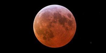 Unieke maansverduistering vrijdag te zien