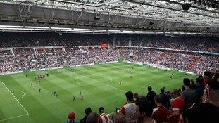 Man uit Heerhugowaard (19) opgepakt voor fakkelincident bij PSV-Ajax