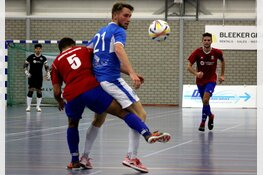 FC Marlène houdt het nog lang spannend tegen Zeemacht