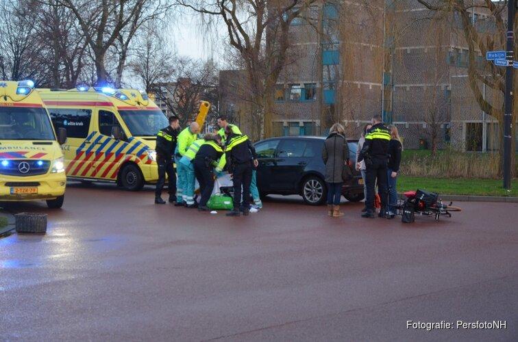 Fietser geschept bij kruising in Edelstenenwijk