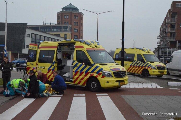 Vrouw zwaargewond bij aanrijding Stationsplein