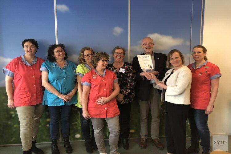 De Pieter Raat Stichting ontvangt certificaat 'dementievriendelijk'
