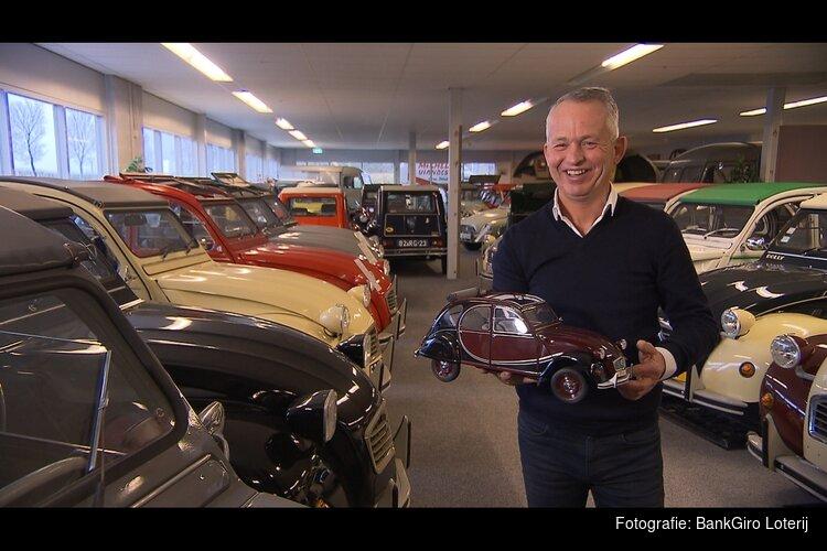 Edwin uit Heerhugowaard met verzameling Citroën 2CV's te zien in Verzamelkoorts!