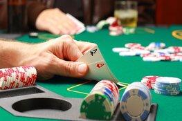 Bomvol, gezellig weekend bij Marlene met Poker, DJ Jacco Silver, Willem II-Ajax en nog veel meer!