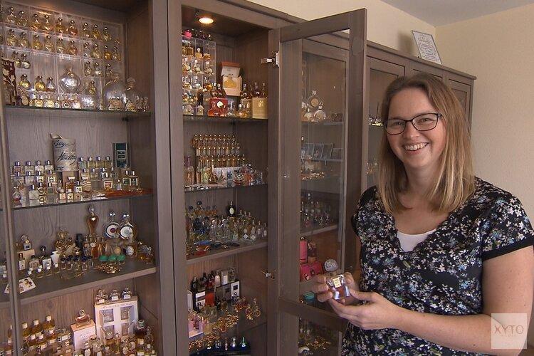 Margreet uit Heerhugowaard met verzameling parfumflesjes te zien in Verzamelkoorts!