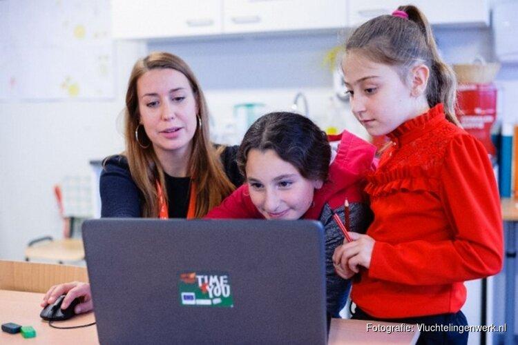 VluchtelingenWerk zoekt dringend vrijwilligers voor activiteiten voor vluchtelingkinderen op het azc in Heerhugowaard