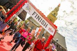6.000 wandelaars aan de start van Plus Wandel4daagse Alkmaar Wandelgroepen populair onder de deelnemers