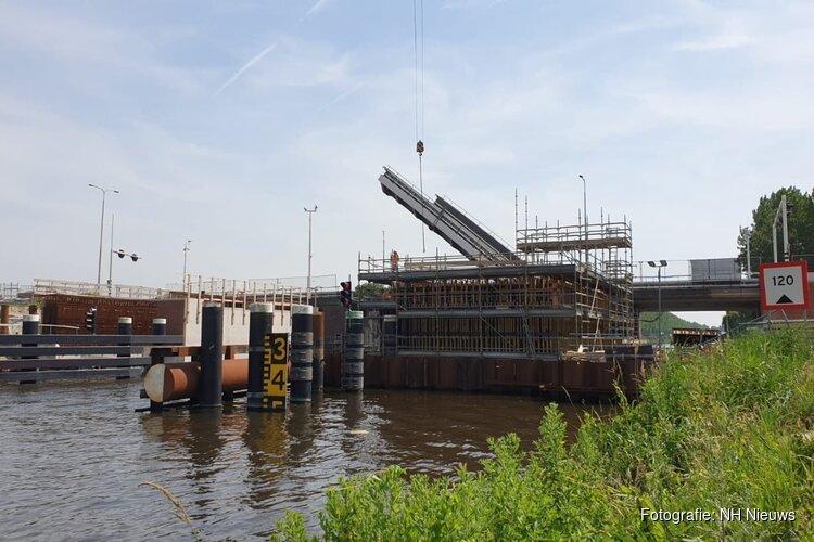 """Ondernemers zwaar gedupeerd door vertraging Leeghwaterbrug: """"De schade loopt in de miljoenen"""""""