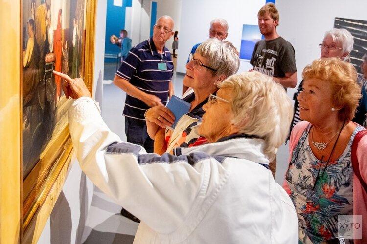 Waardse senioren met de Museum Plus Bus naar het Fries Museum