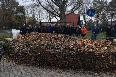 Bladerruim actie Stichting Vrienden van het Hertenkamp Heerhugowaard