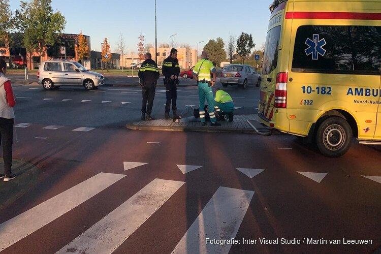 Fietsster gewond na aanrijding op rotonde in Heerhugowaard