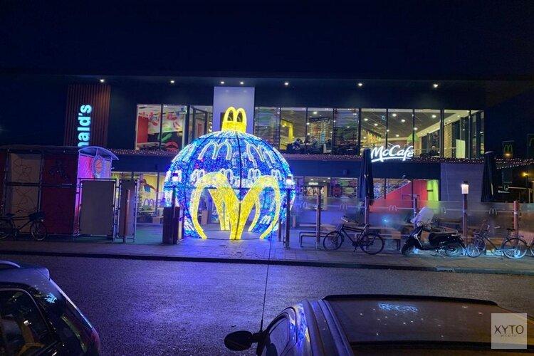Mega Kerstbal bij McDonald's Alkmaar West
