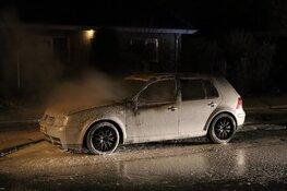 Autobrand Van Veenweg, politie onderzoekt brandstichting