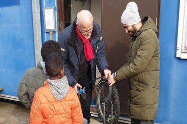 Gratis fietsen gezocht voor Waardse asielzoekers