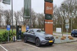 McDonald's en Vattenfall plaatsen hun eerste snellaadpunt voor elektrische auto's in Alkmaar