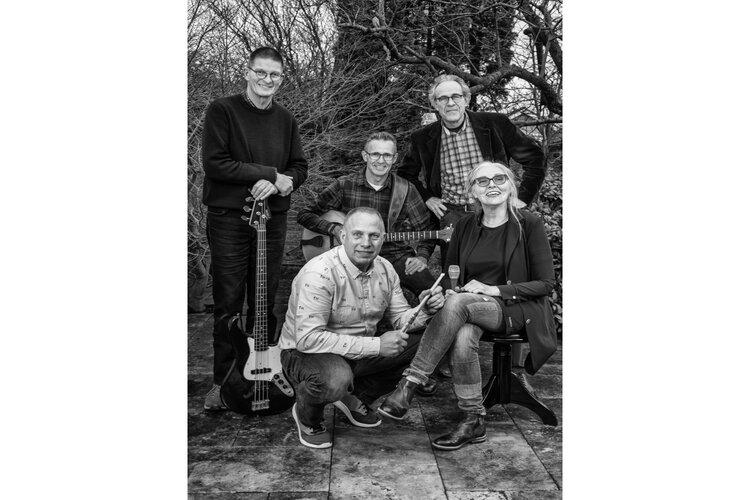 """""""Muziek verbindt"""", Deborah & Friends in Kerkje St. Maartensbrug"""