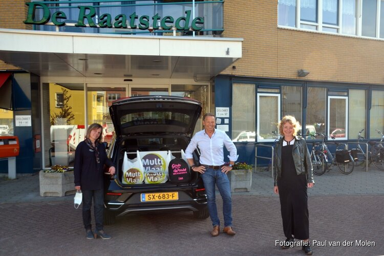 Bewoners De Raatstede verrast door Girls Run The World en Multivlaai Heerhugowaard