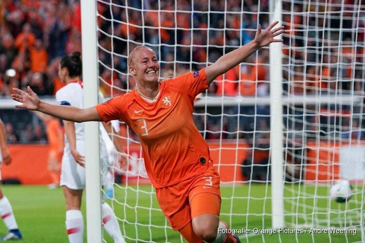 Stefanie van der Gragt keert terug bij Ajax
