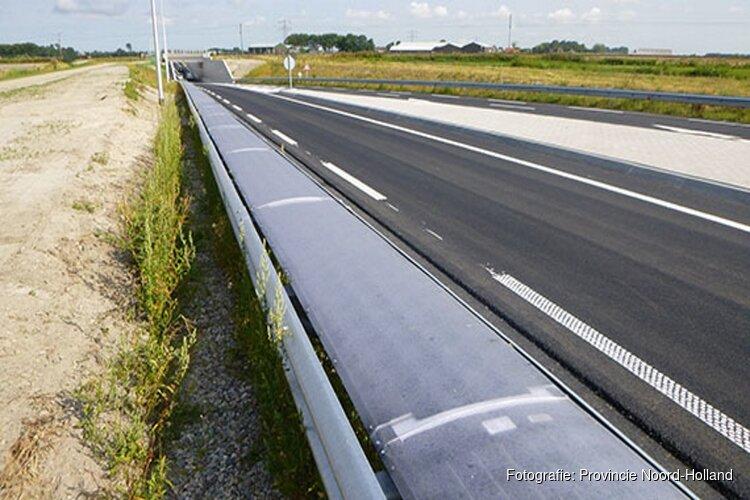 Unieke praktijkproef met zonnecellen op vangrail in Heerhugowaard