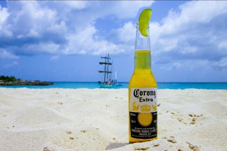 Vakantie: annuleren vanwege corona-uitbraak niet gedekt