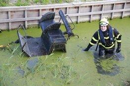 Heftruck valt om bij redding van paard uit sloot in Heerhugowaard