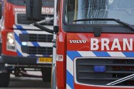 Brandweer Alkmaar en Heerhugowaard weten motoren te sparen bij brand in opslagunit Otterkoog