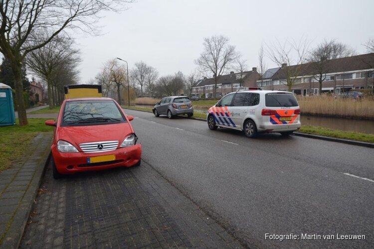 Auto's op elkaar op de Van Foreeststraat