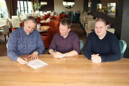 Strandrestaurant WOEST nieuwe hoofdsponsor Reiger Boys Zaalvoetbal